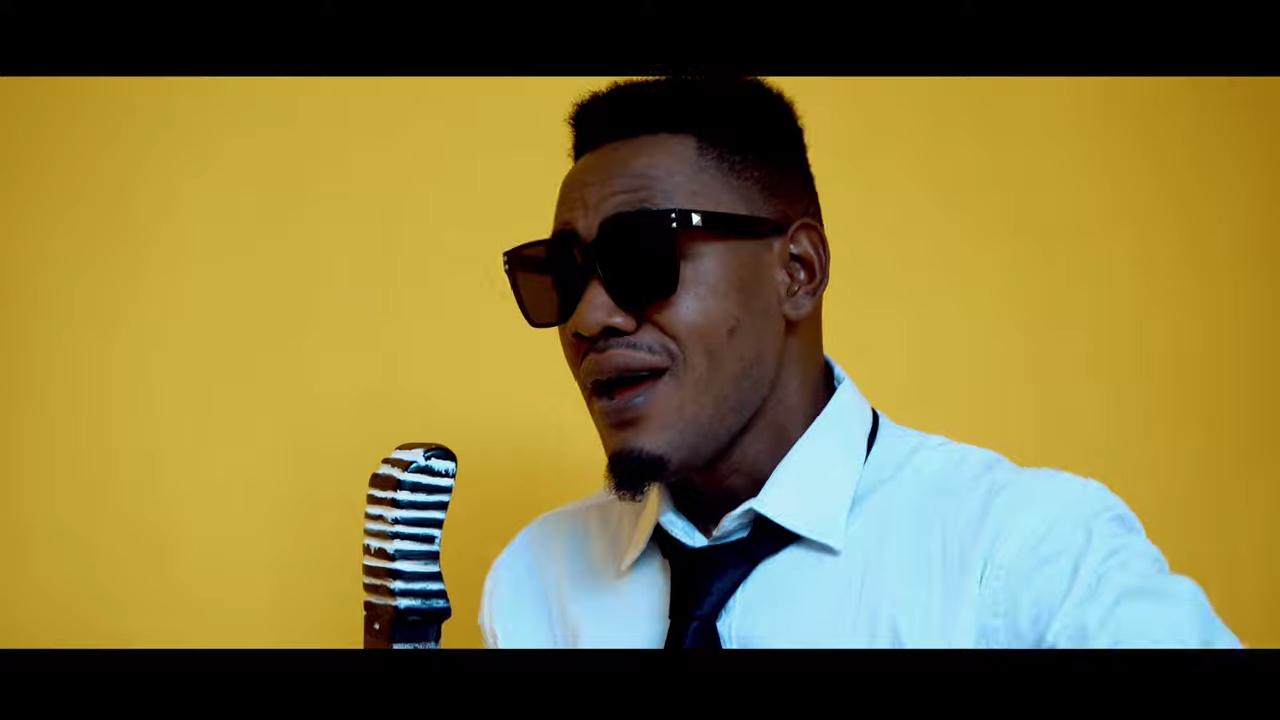 VIDEO | Roby Tone – Najiuliza Acoustic